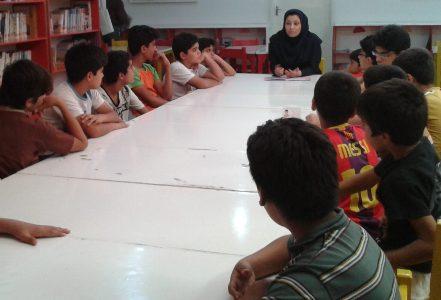 بچه ها در حال گوش دادن قصه...