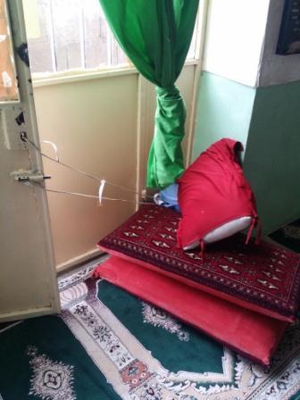 خروج از مسجد و قفل از بیرون